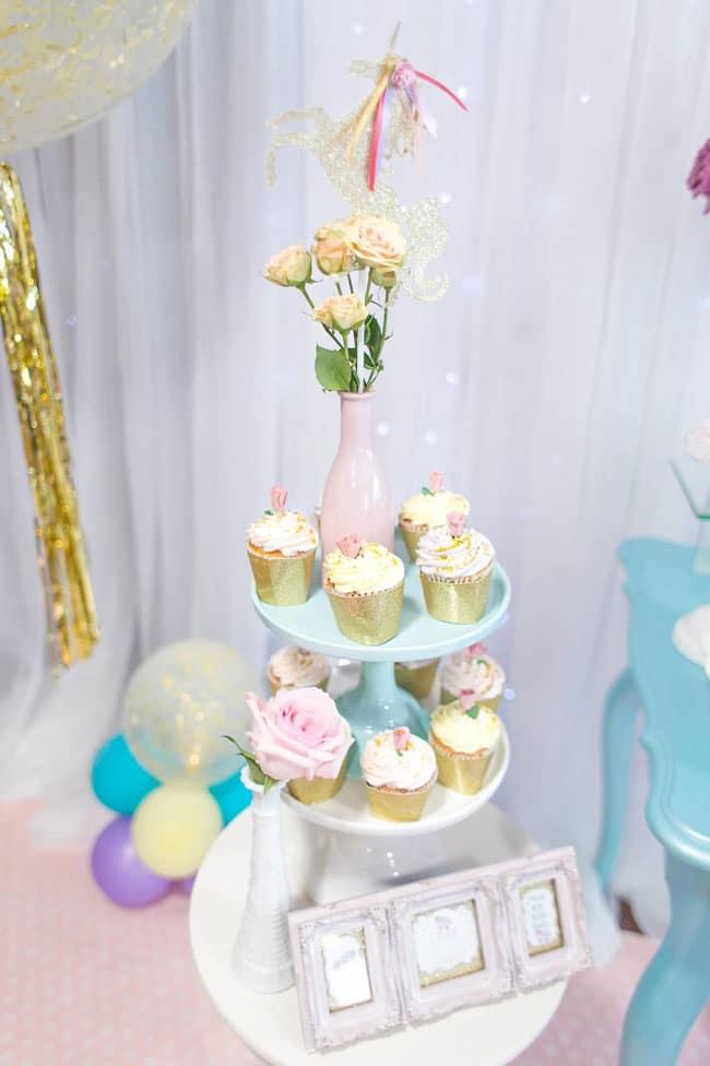 Gold glitter unicorn party decor
