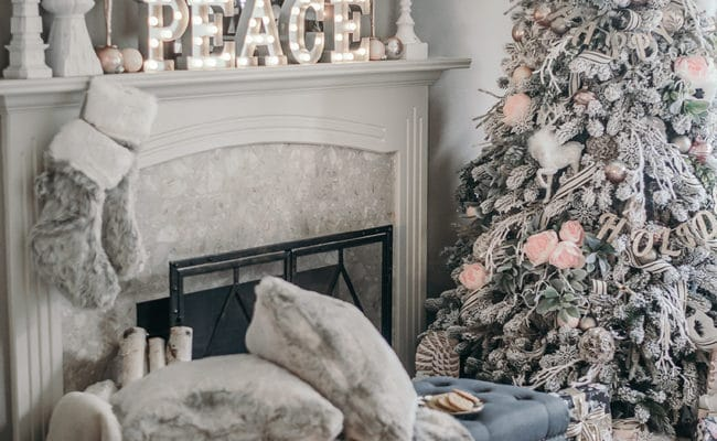 15 Totally Pin-Worthy Holiday Fireplace Mantel Ideas