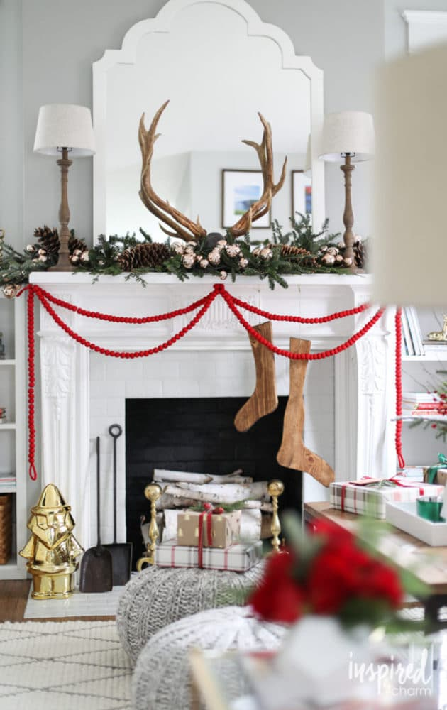 Modern Christmas Fireplace Mantel