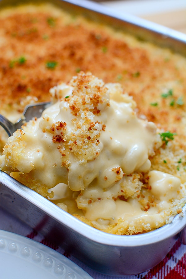 Easy Baked Macaroni and Cheese Recipe on Pretty My Party