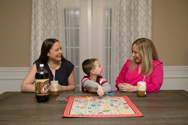 Family games and root beer floats - Pretty My Party