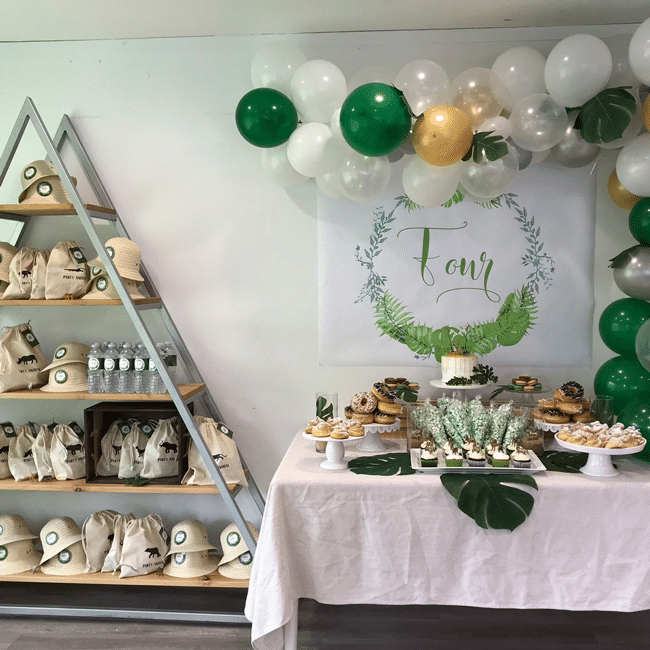 Modern jungle theme party jungle birthday party pretty my party - Deco table jungle ...
