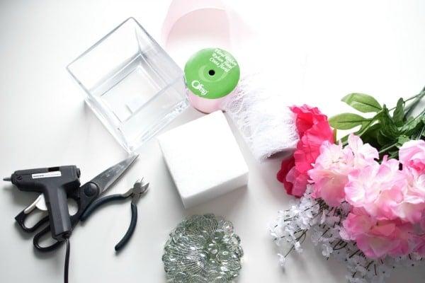 Easy DIY Wedding Centerpieces - Pretty My Party