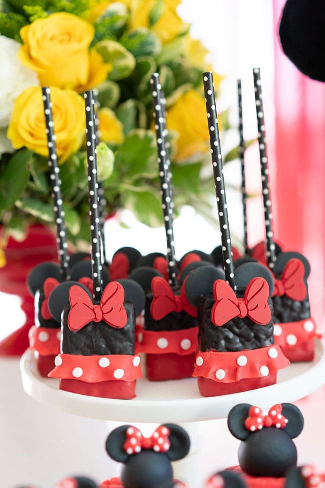 Minnie Mouse Rice Krispie Pops
