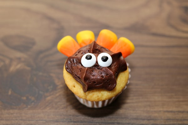 How to make Turkey Cupcakes on Pretty My Party