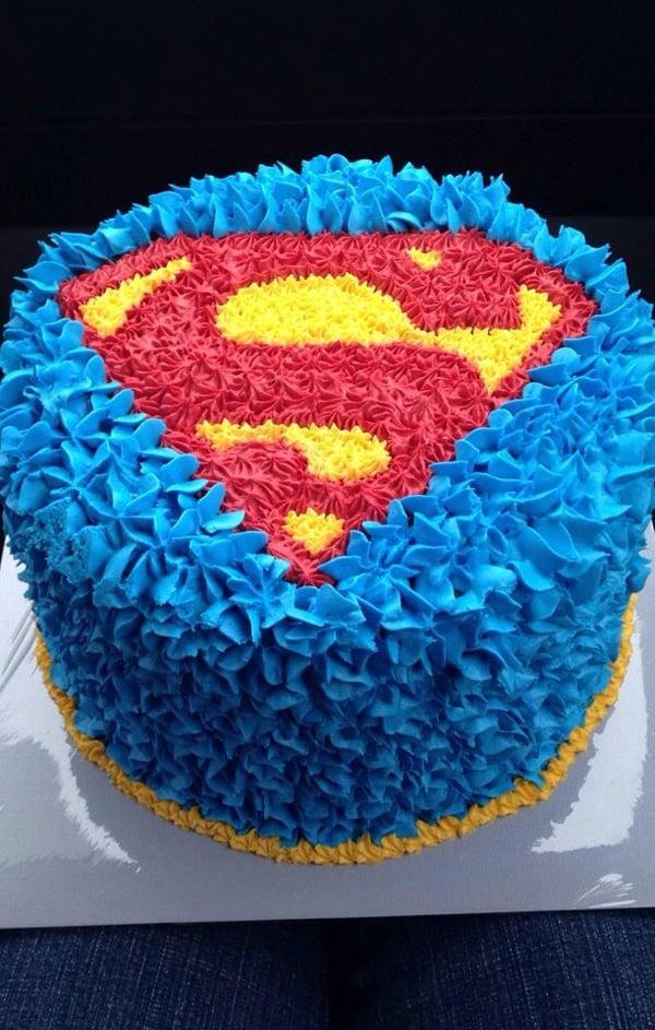 Superman Birthday Cake - Superman Party Ideas