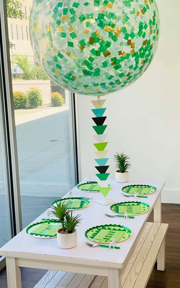 Kids Dinosaur Party Table