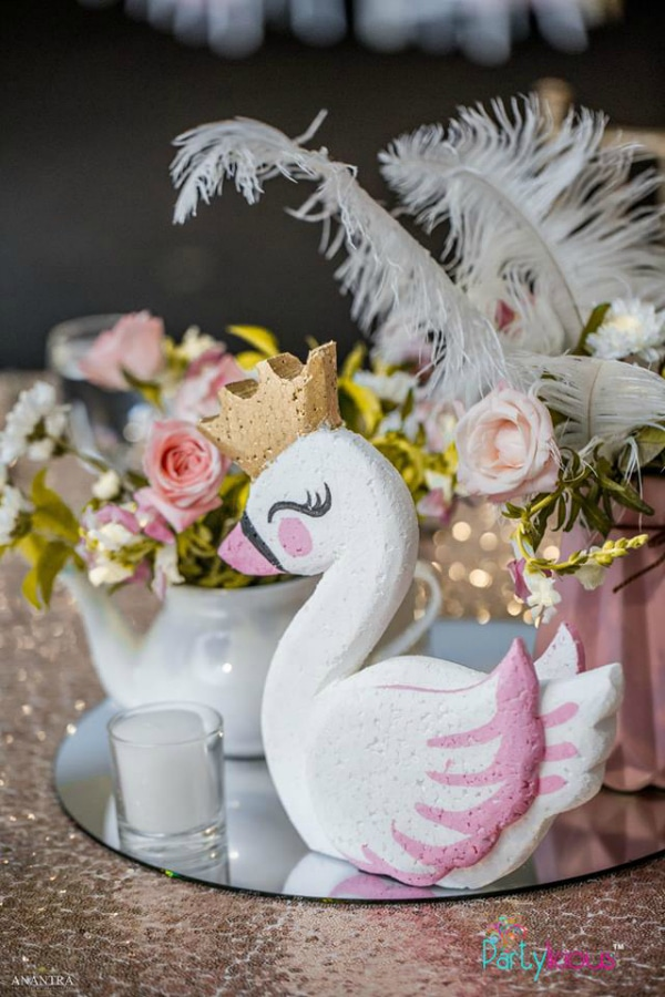 Swan Party Centerpiece