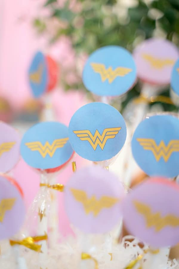 Wonder Woman Party Favors