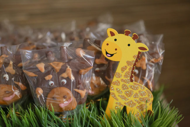 Giraffe Marshmallow Pops