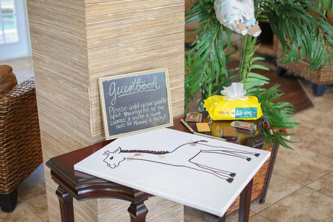 Giraffe Thumbprint Guestbook