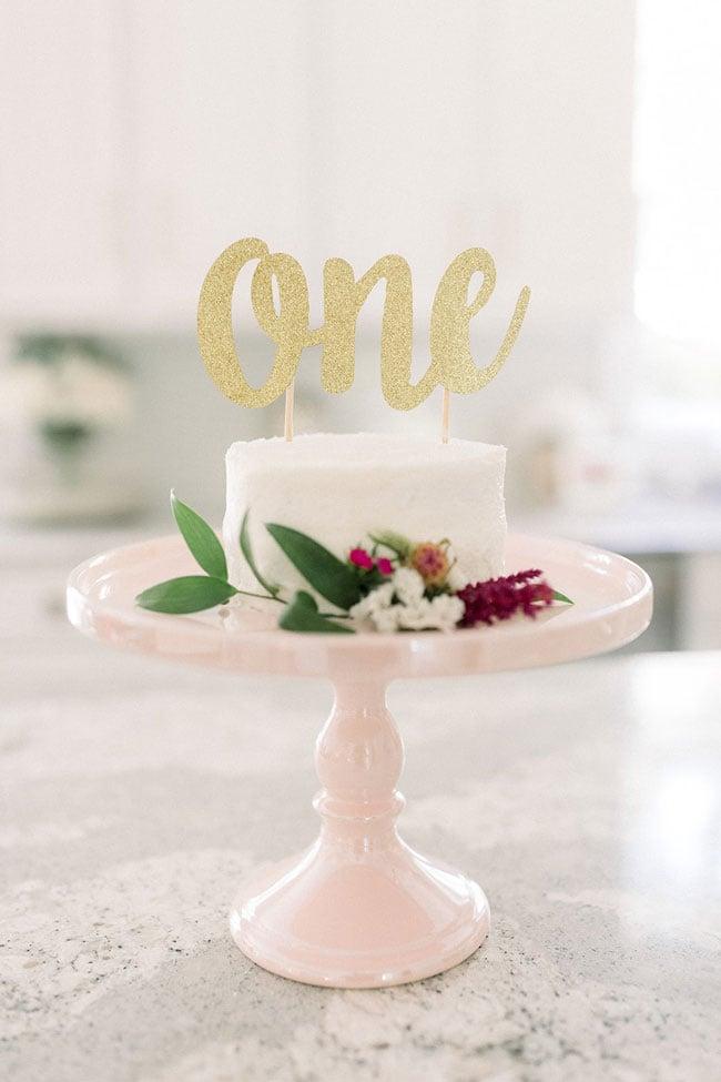 Gold Glitter One Cake Topper on the Smash Cake