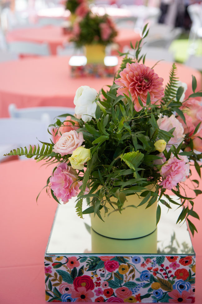 Pretty Flower Centerpieces with Floral Stand