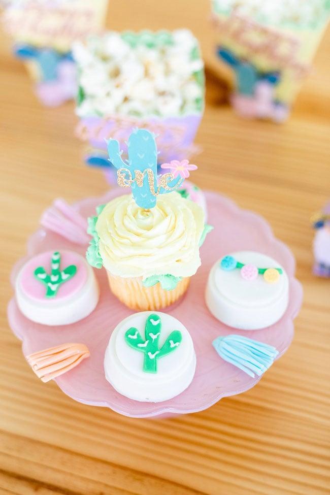 Cactus Cupcake Topper and Oreos