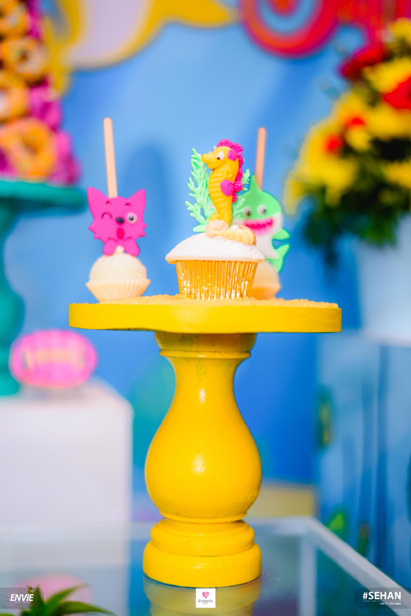 Baby Shark Birthday Desserts