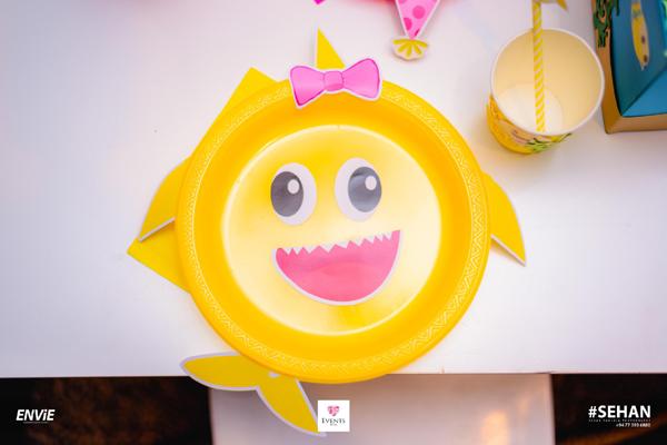 DIY Baby Shark Plate